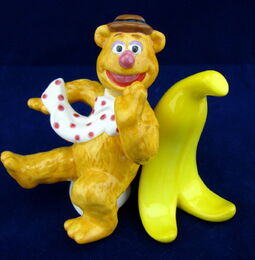 Westland giftware 2012 fozzie banana shakers
