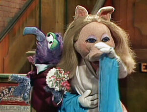Gonzo in love with Miss Piggy