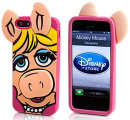 Disney store 2014 iphone case piggy