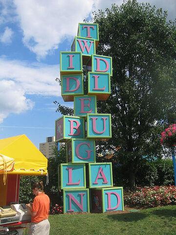 File:Twiddlebug Land - Sesame Place 3.jpg