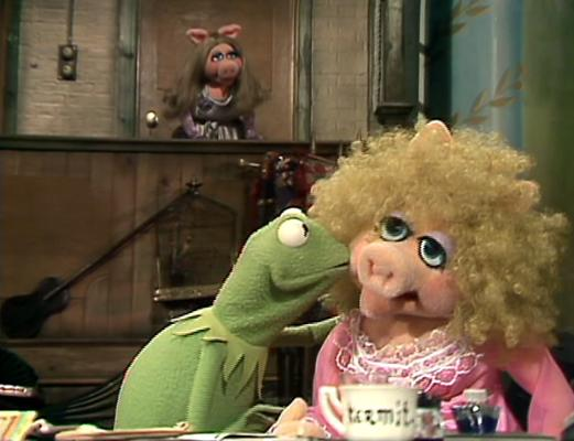 File:302 kermit kisses annie sue.jpg