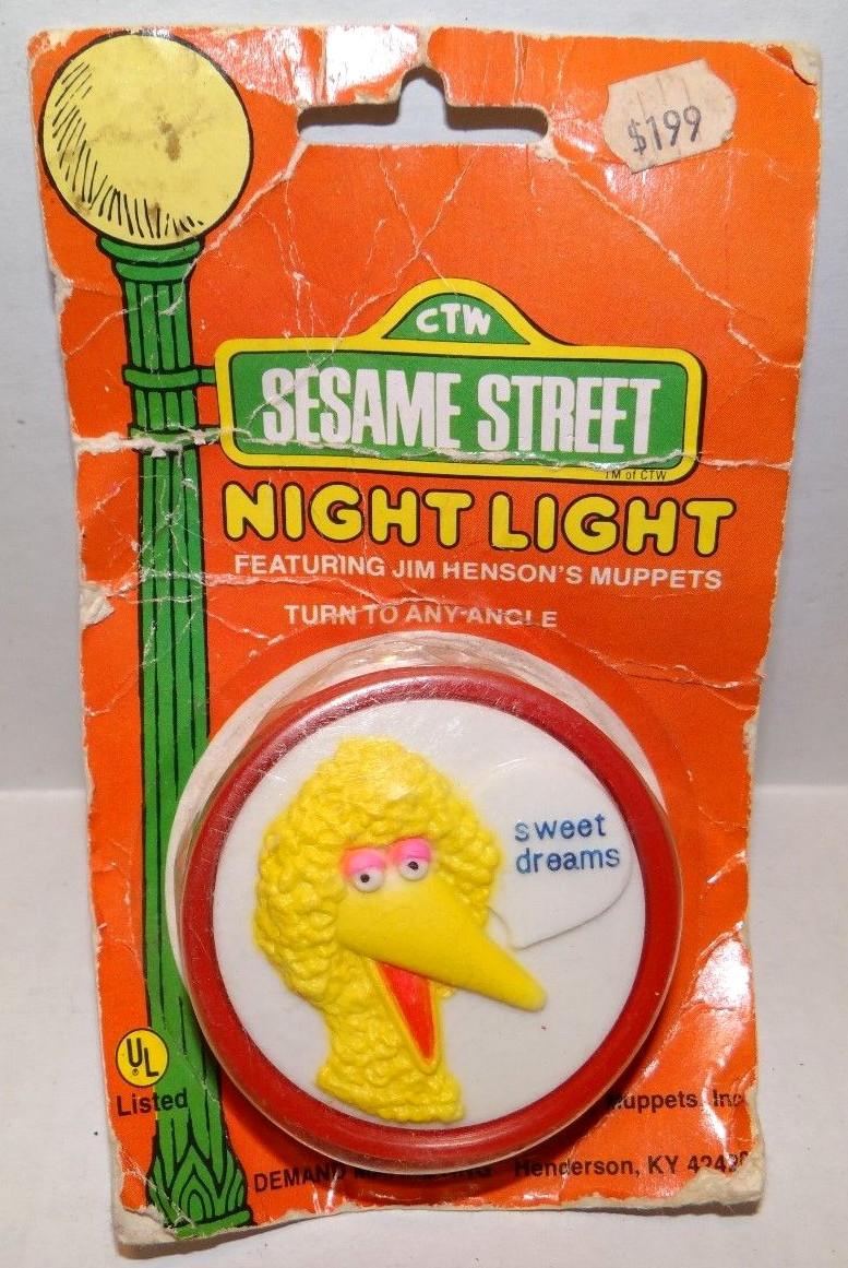 Night light wikipedia - File Demand Marketing Night Light Big Bird S Jpg