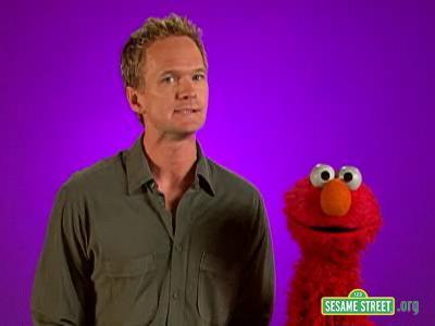 File:Backstage with Elmo - Neil Patrick Harris2.jpg