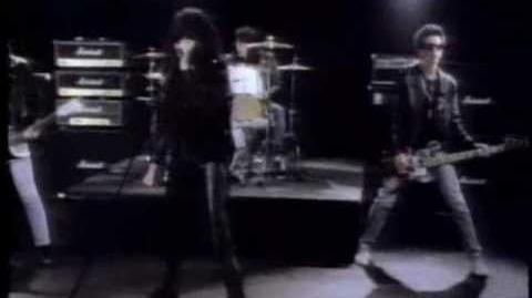 "The Ramones - ""Merry Christmas (I Don't Want To Fight Tonight)"""