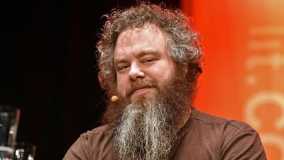 Author patrick rothfuss - h 2015