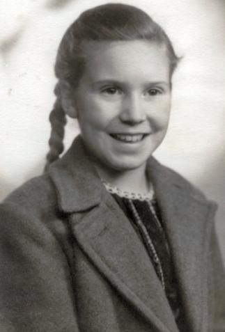 File:Lucybarfield1947.JPG