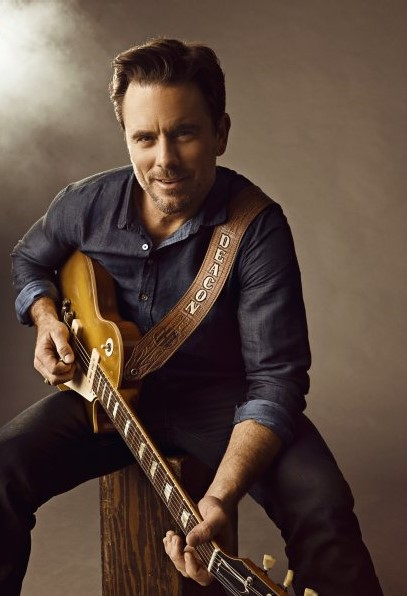 who plays deacon claybourne father on nashville
