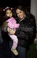 Vanessa bryant holding her daughter natalia