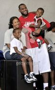 103304244-lebron-james-with-his-family-savannah-gettyimages