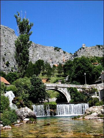 File:Stari most na Bistrici 28352914.jpg