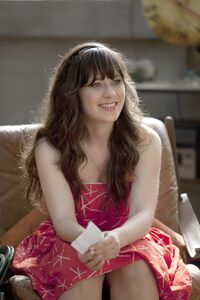 Zooey-deschanel- Episode-Still-1