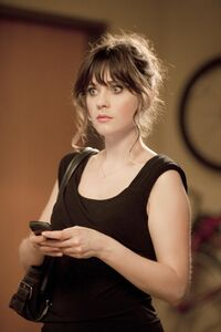 Zooey-deschanel- Episode-Still-2