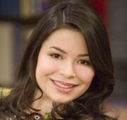 Miranda Cosgrove (iCarly actress)