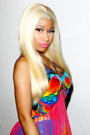 Nicki-minaj-2012-aria-awards-australia4