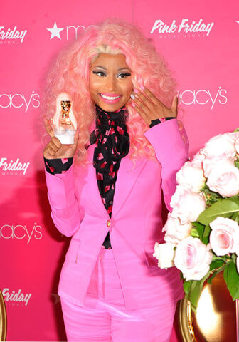 File:Nicki-macys-queens-1.jpg