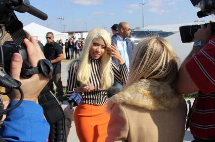 File:Nicki in oklahoma.jpg