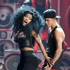 Justin and Nicki at the 2012 AMAs