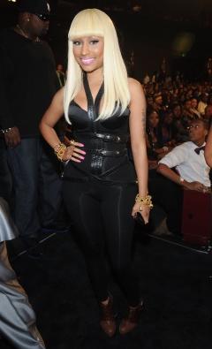 File:Nicki 5 BET hip hop 2010.png