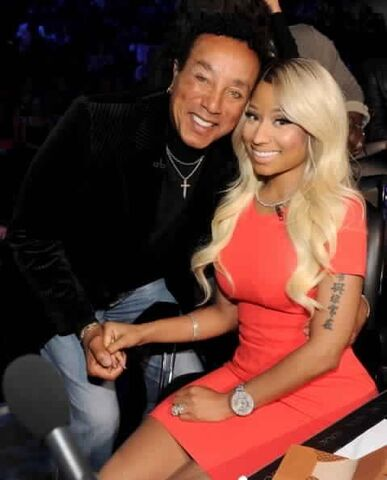 File:Nicki and smokey.jpg