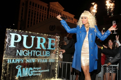File:Nicki at pure 9.jpg