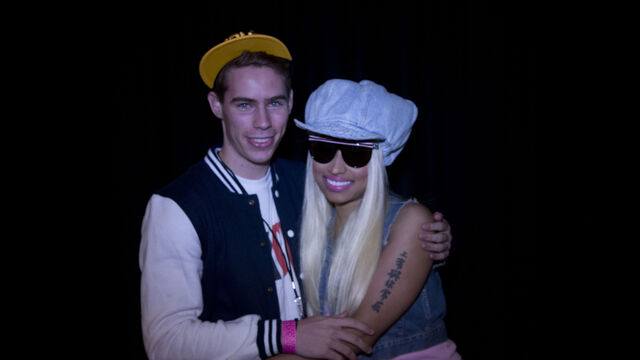 File:MeetAndGreet Sidney Nicki Barbz.jpg