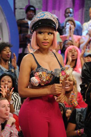 File:Nicki+Minaj+Celebs+BET+106+Park+Y9kU82jfDtAl.jpg