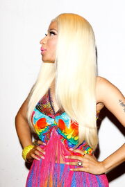 Nicki-minaj-2012-aria-awards-australia5