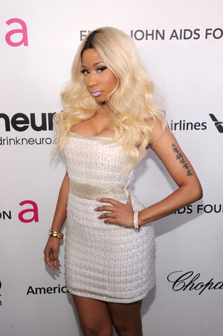 File:Nicki+Minaj+21st+Annual+Elton+John+AIDS+Foundation+ UHVxe B6lTl.jpg