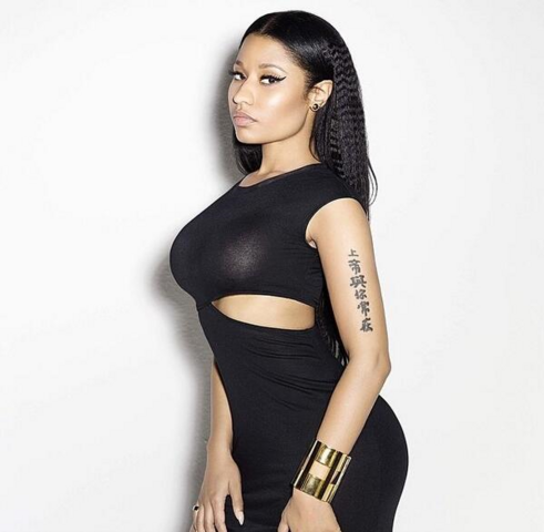 File:Onika perfume shoot 2.png
