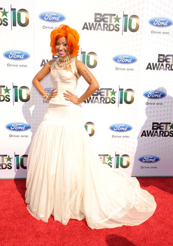 File:BET Awards 2010 Nicki Minaj carpet.jpeg