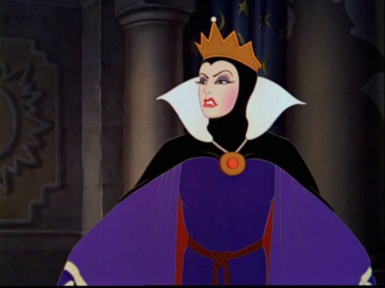 The Evil Queen (Disney Snow White and the Seven Dwarfs ... Disney Evil Queen Snow White