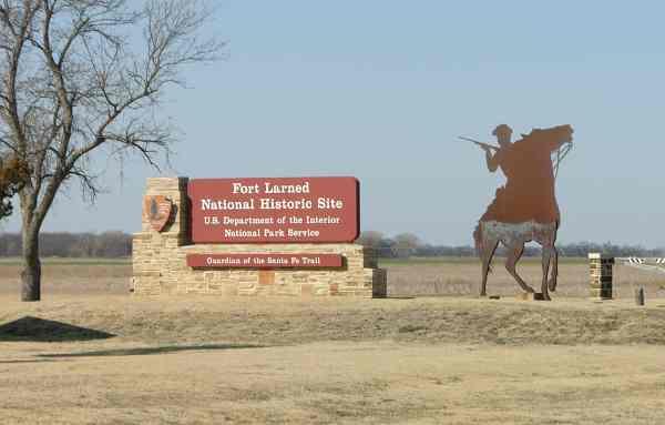 File:Fort Larned entrance.JPG