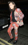 Rs 634x1024-151214094140-634.Harry-Styles-Red-Floral-Suit-JR-121415