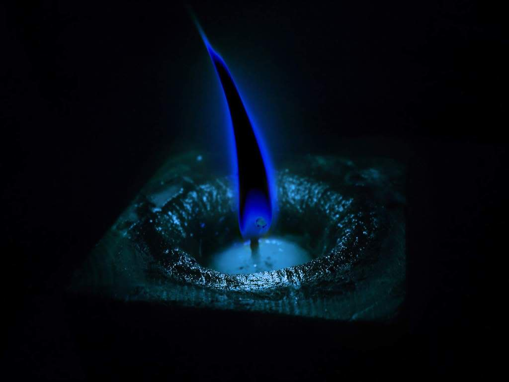 how to make a blue flame candle
