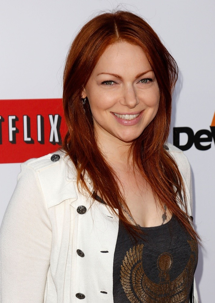 Laura prepon orange is the new black wiki fandom for Black is the new color