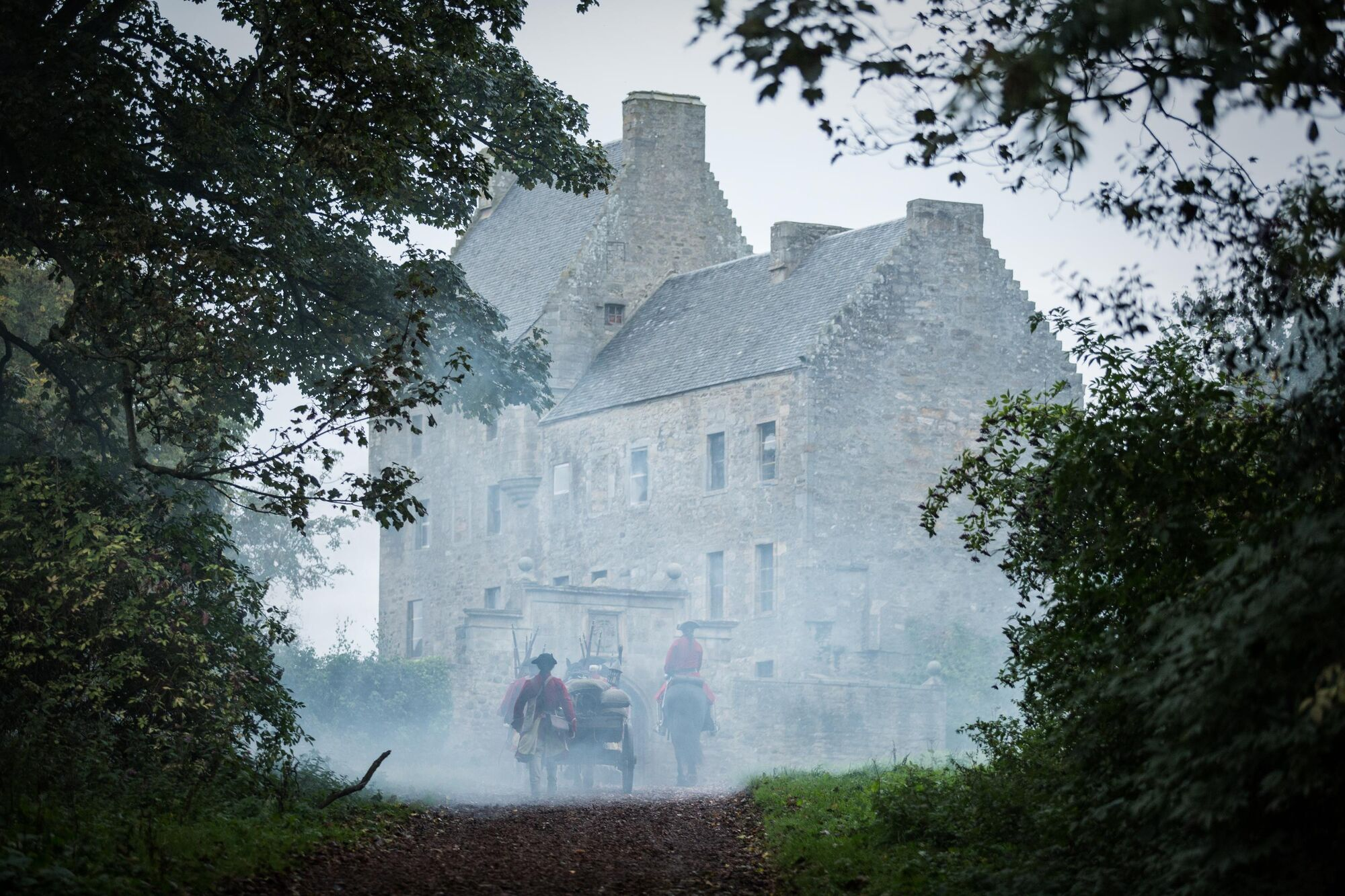 Are you looking for Lallybroch? - Scotts Castle Holidays