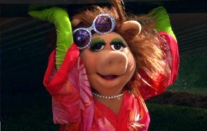 File:Miss-Piggy-Wicked-Witch-East.jpg