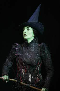 File:Julia Murney as Elphaba 1.jpg