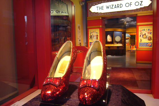 File:T Wizard of Oz 02 0.jpg