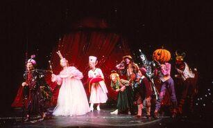 Marvelous Land of OZ - Glinda and Mombi