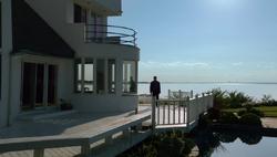1x04 - Rental home.png