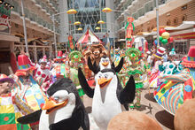 Penguins-Cruise-boardwalk-parade