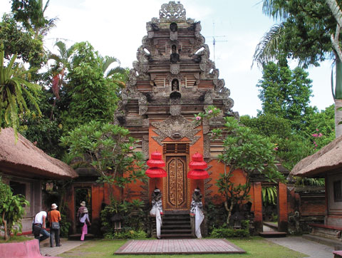 File:Temple-in-bali.jpg