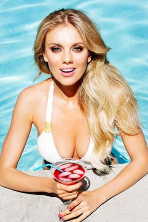 Bar Paly at pool