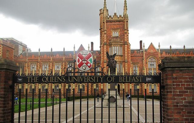 File:800px-Queen's University Belfast by Paride.jpg