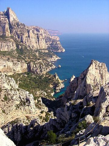 File:Calanques.jpg