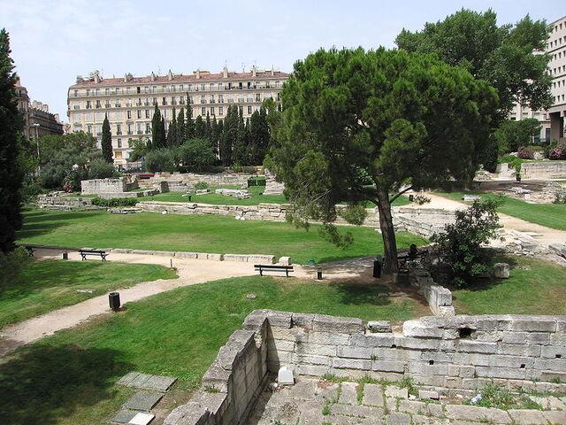 File:800px-Marseille - Le jardin des vestiges.JPG