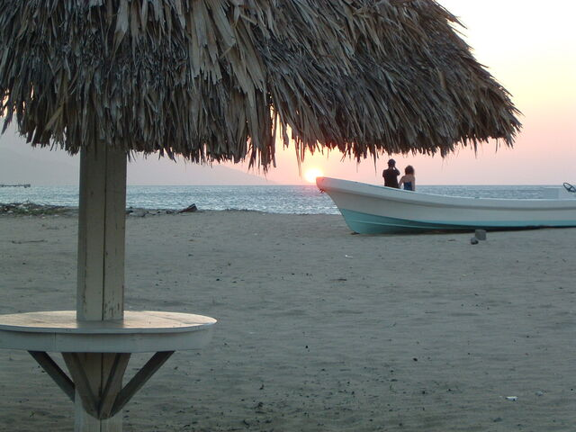 File:Romantic island sunset.JPG