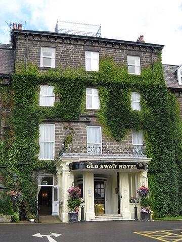 File:Old Swan Hotel, where Agatha Christie stayed.JPG