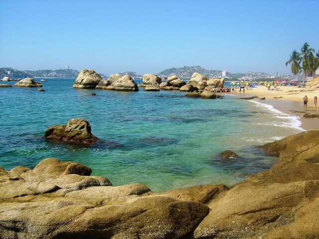 File:Acapulco-bay-rocks-photo 1357384-770tall.jpg